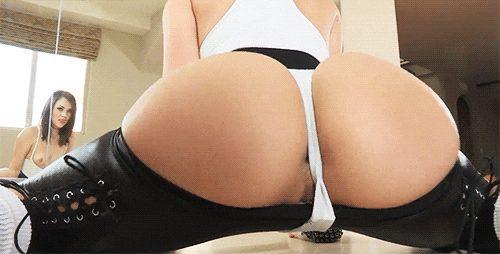 Sexy slow twerking