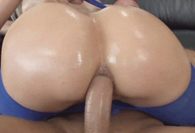 Big butt woman loves to ride his boner