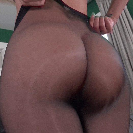 Bouncing Butt in see-through pantyhose