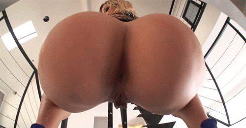 PAWG lets her Butt bounce