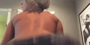 Short-haired blonde PAWG twerks
