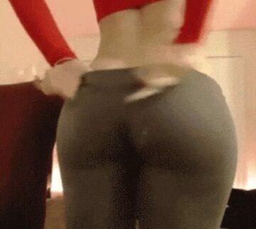 Big Butt, tight Pants